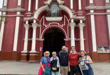La delegazione in visita al centro di Lima