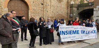 La terza tappa della Marcia della Pace 2019, in piazza San Francesco. A prendere la parola, l'imam del Centro islamico della Romagna Moustapha Soufi