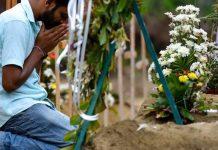 La preghiera per le stragi di Pasqua in Sri Lanka (AFP or licensors)