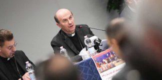 Monsignor Russo all'assemblea della Fisc, foto SIR/Marco Calvarese
